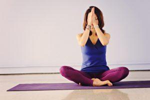 yoga-g012075e08_1920