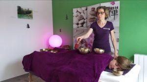 Massage aux bols REDIOMENSIONNEEjpg